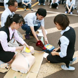 AEDを使用し、心肺蘇生訓練をしました。
